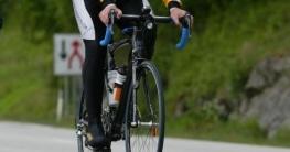 Helm oder Beleuchtung am Fahrrad
