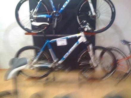 waagrechte Fahrradhalterung